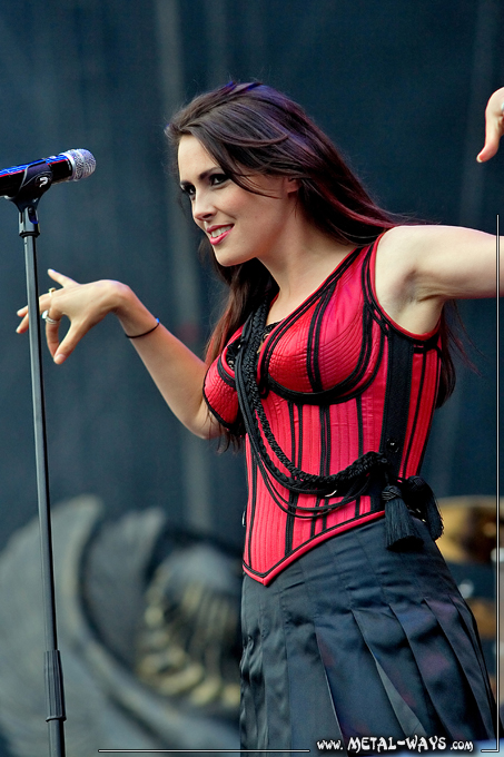 Within Temptation @ Rock en France (Sharon Den Adel)